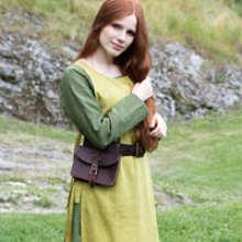 Womens early medieval garb