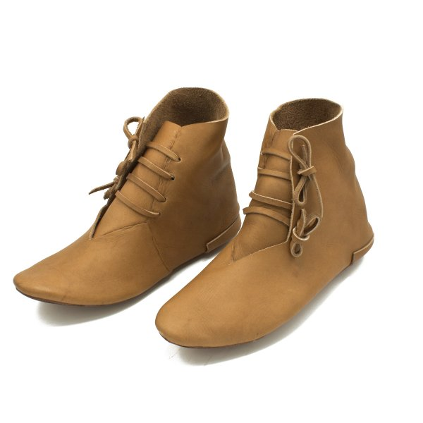 turn sewn or reversed sewn medieval shoes or half boots vegetal tanned 46